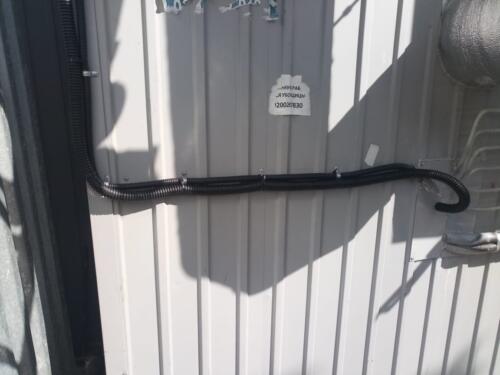 2.1 Прокладка провода в гофре на внешней стене