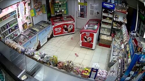 Обзор камеры видеонаблюдения в магазине