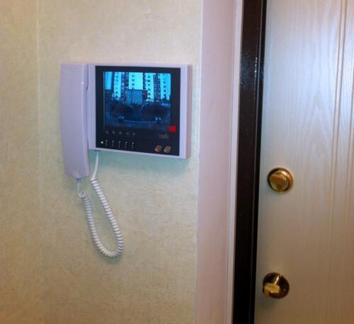 Видеодомофон в квартире